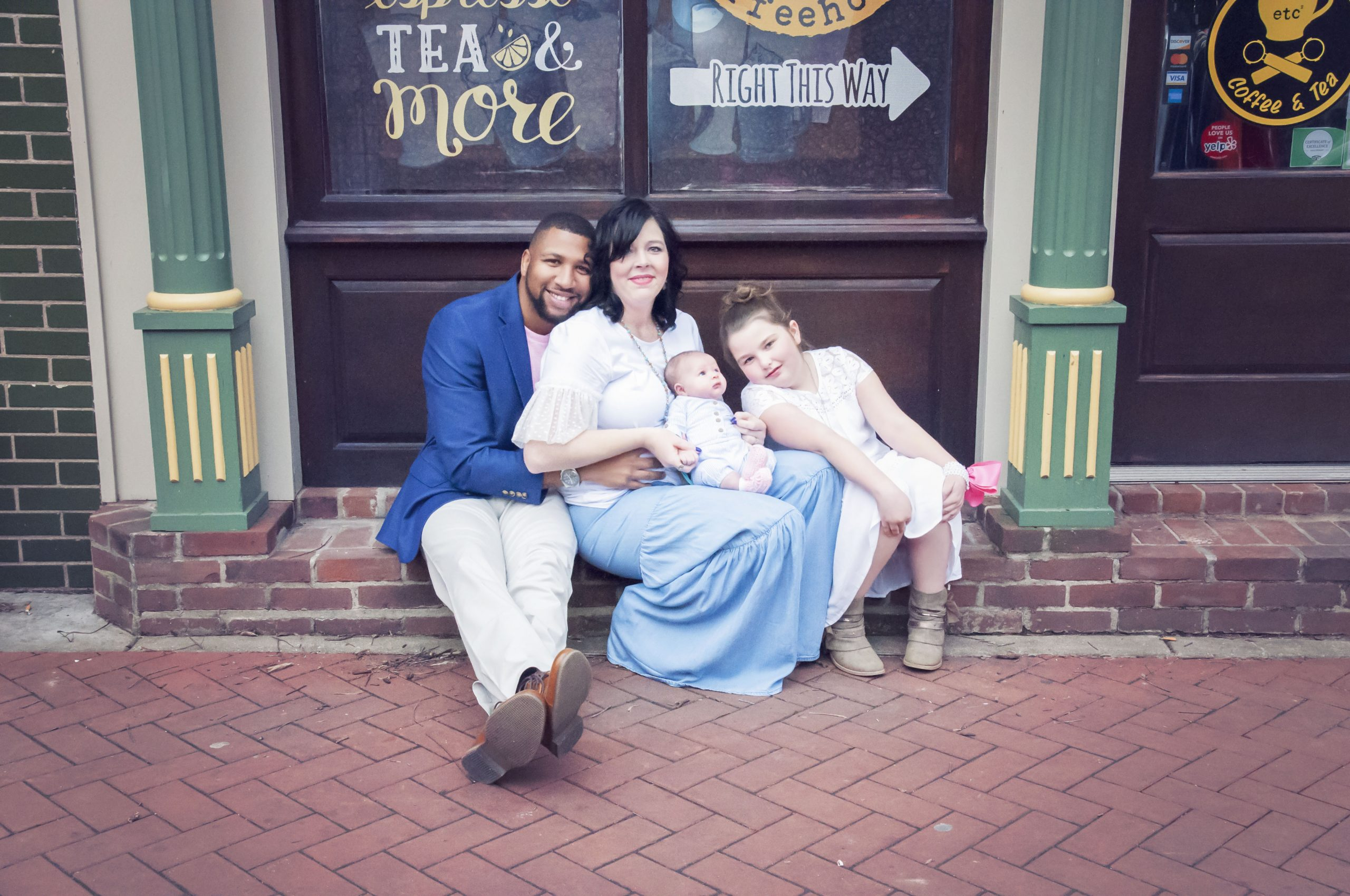 happy dad at family photo session paducah photographer amsw photography