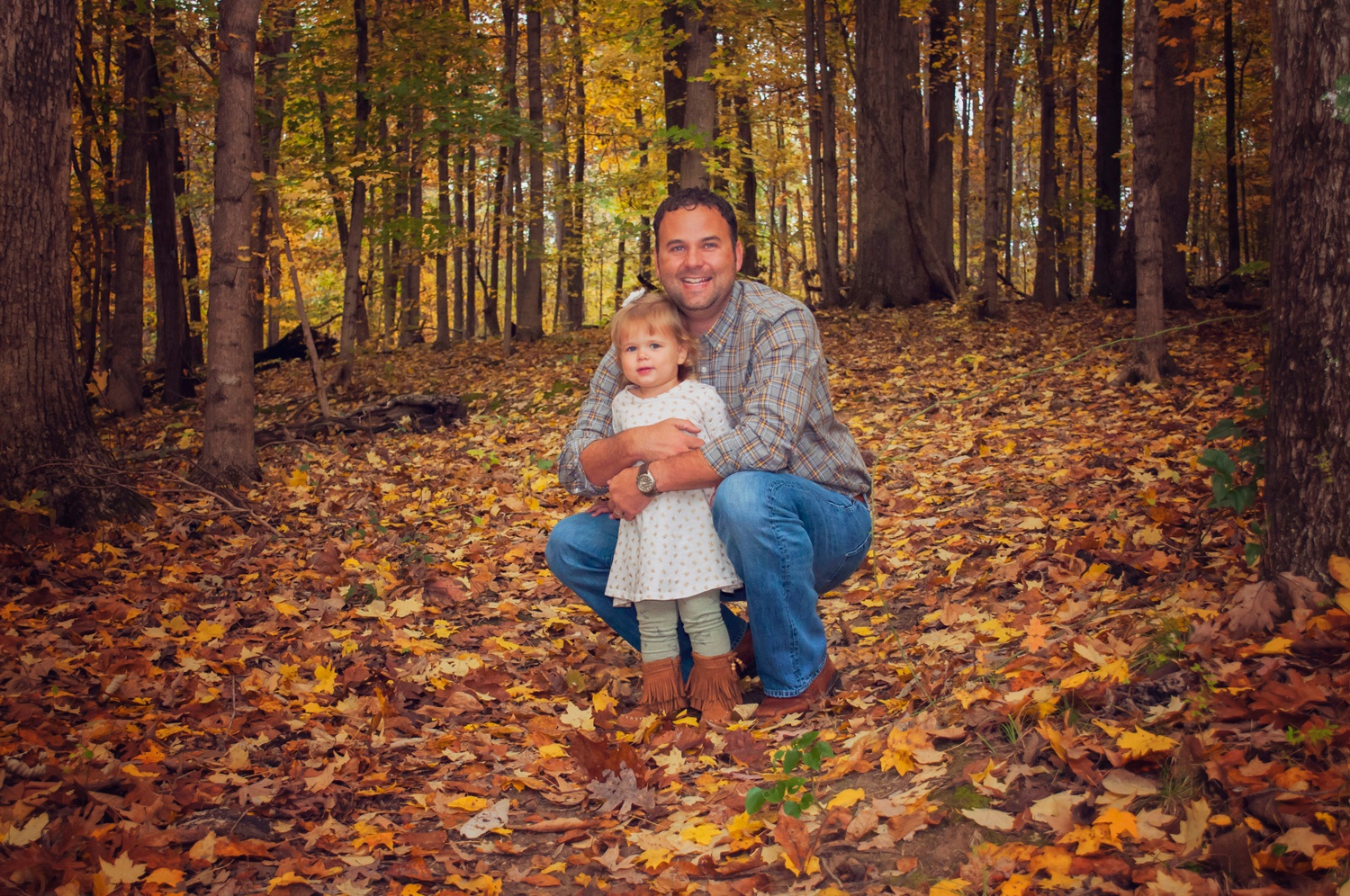 dad cuddles with kids family photo session amsw photography
